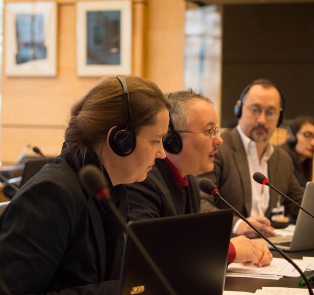Ev Blaine Matthigack, Dan Ghattas (OII Germany) und Morgan Carpenter (OII Australia), bei dem Thematic Briefing zu Inter* vor der UN-Behindertenrechtskonvention (BRK/CRPD), 26 März 2015. Foto von Nigel Kingston, freundlichst zur Verfügung gestellt von Diane Kingston OBE